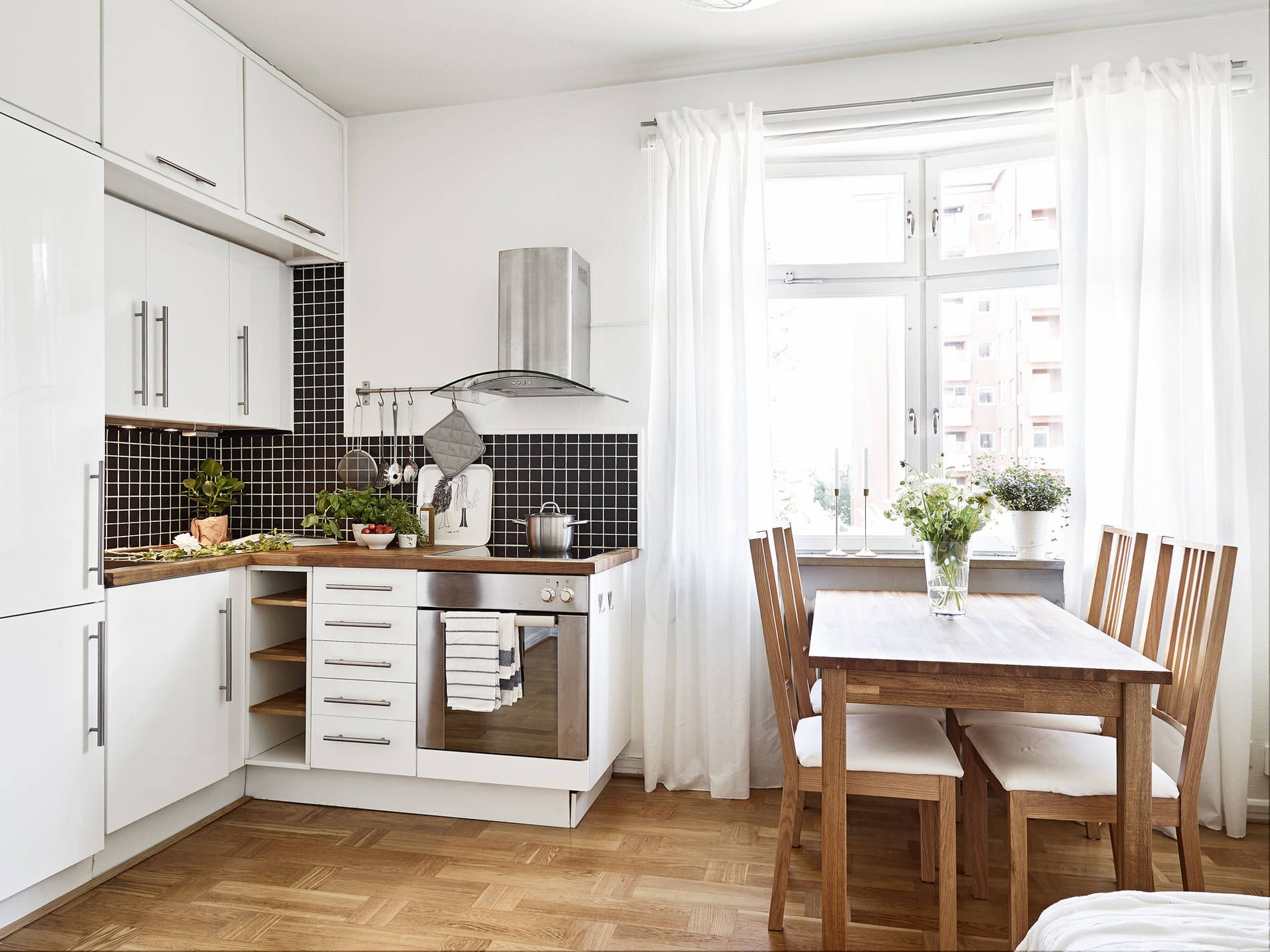 8 Small Kitchen Remodel Ideas to Your Space Feel Larger ...